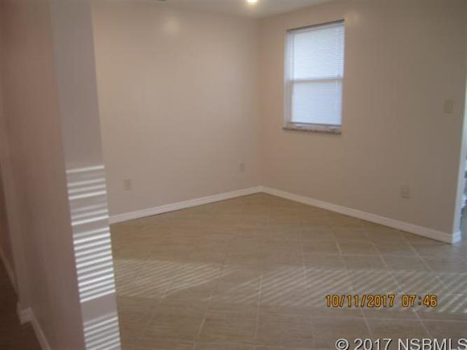 132 Hotel Ave 3, Edgewater, FL - USA (photo 4)