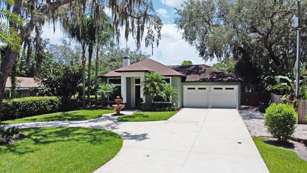 Single Family Residence, Contemporary - LONGWOOD, FL
