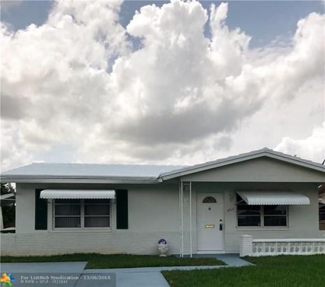 Single Family - Tamarac, FL