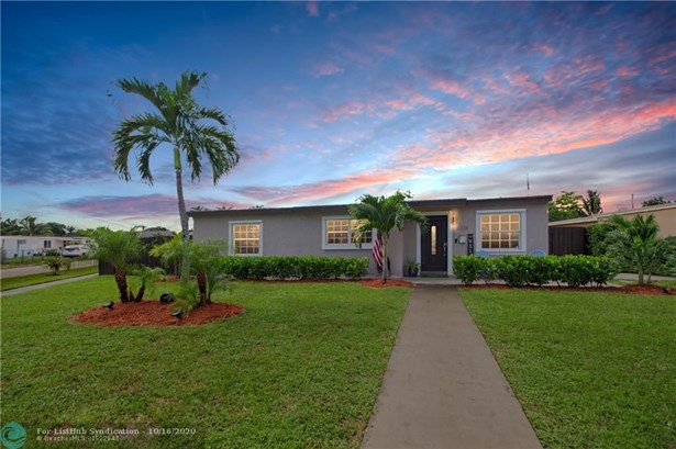 Single Family - Hialeah, FL