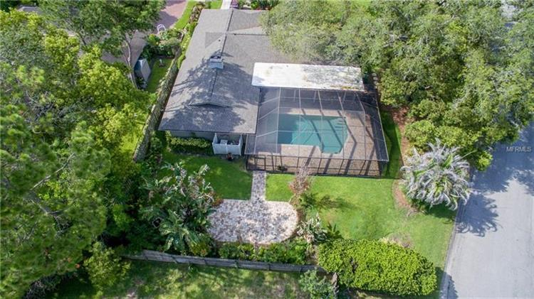 4216 Meadow Hill Dr, Tampa, FL - USA (photo 2)