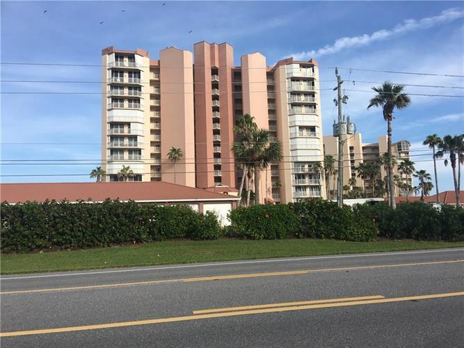 3880 N Hwy A1a 804, Fort Pierce, FL - USA (photo 1)