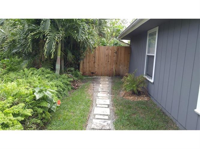 745 24th Square, Vero Beach, FL - USA (photo 3)