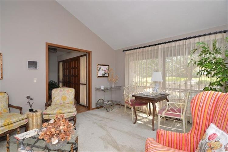 1391 Ayerswood Ct, Winter Springs, FL - USA (photo 4)