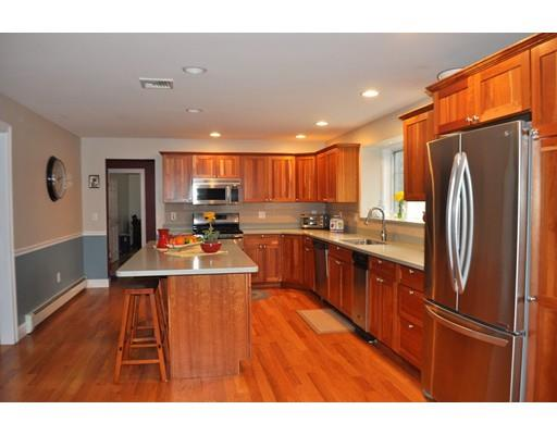 122 Butler Ave, Wakefield, MA - USA (photo 3)