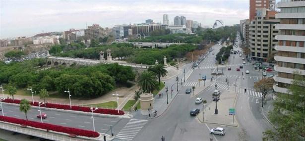 Valencia Centro, Valencia - ESP (photo 2)