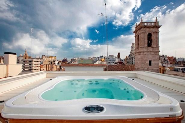 Plaza Reina - Carmen - Historic Centre, Valencia - ESP (photo 3)