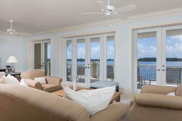 3 Royal Palm Pointe, Vero Beach, FL - USA (photo 4)