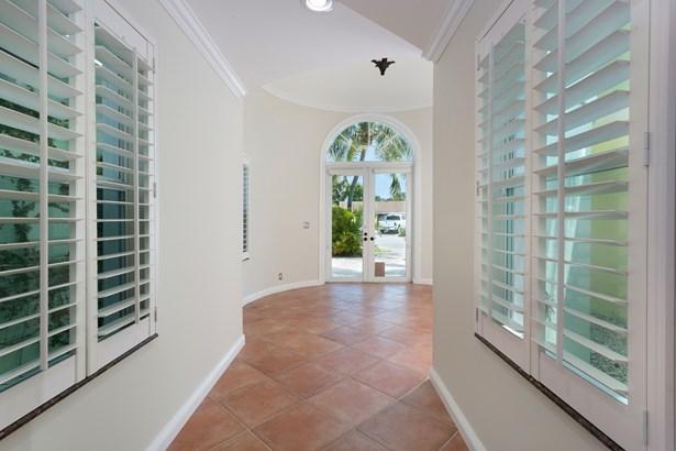 2129 Ne 61st Ct, Fort Lauderdale, FL - USA (photo 4)