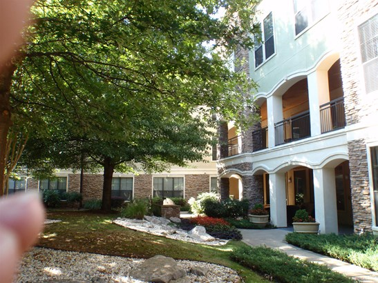 2600 Hillsboro Pike Apt 304, Nashville, TN - USA (photo 2)