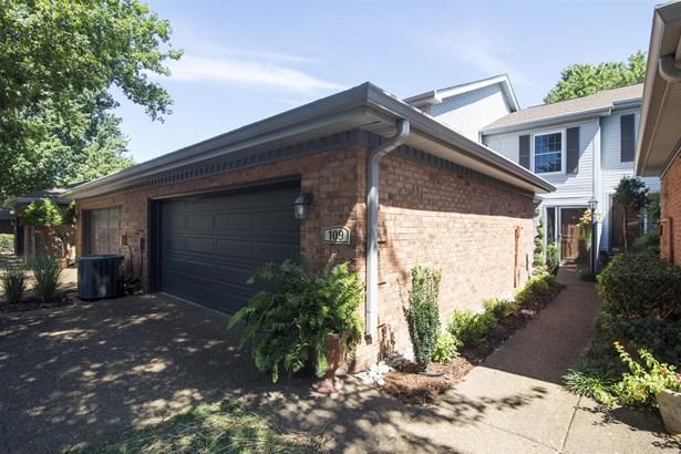109 Hearthstone Manor Cir, Nashville, TN - USA (photo 2)