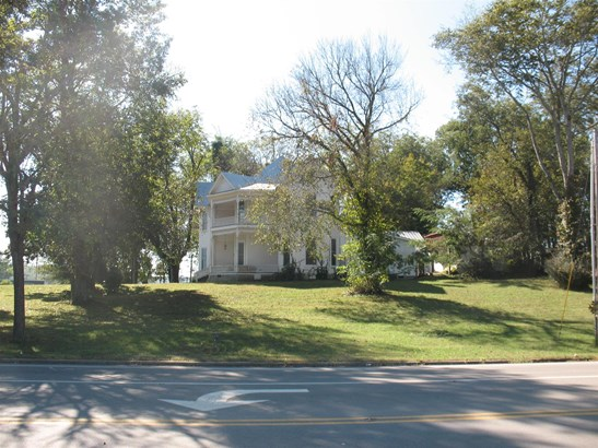 902 W Main St, Woodbury, TN - USA (photo 2)