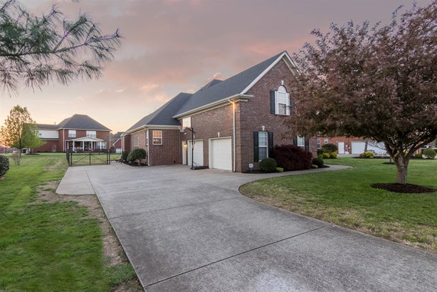 1235 Bayard Ave, Murfreesboro, TN - USA (photo 2)