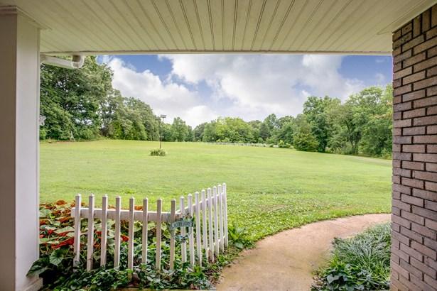 1310 Lee Brown Rd, Bon Aqua, TN - USA (photo 3)