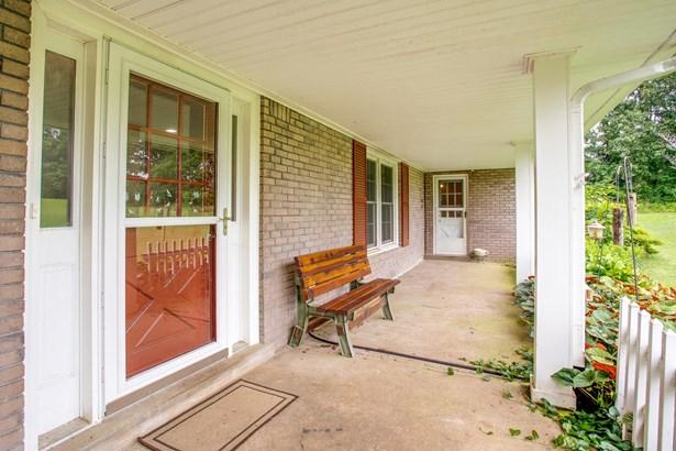 1310 Lee Brown Rd, Bon Aqua, TN - USA (photo 4)