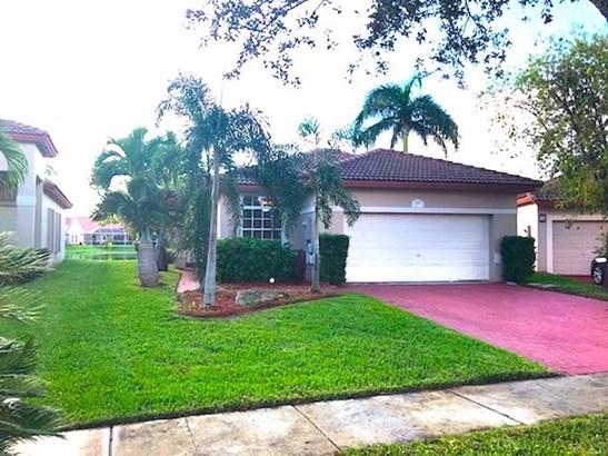 1378 Nw 192nd Ln, Pembroke Pines, FL - USA (photo 2)