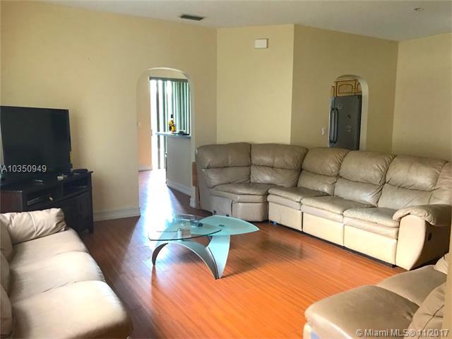 1378 Nw 192nd Ln, Pembroke Pines, FL - USA (photo 4)