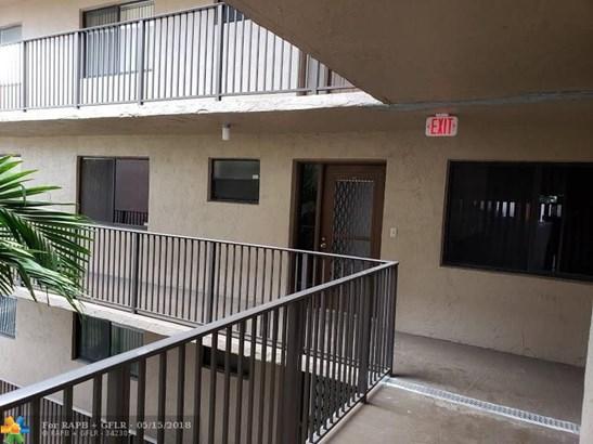 8010 Hampton Blvd #404, North Lauderdale, FL - USA (photo 4)