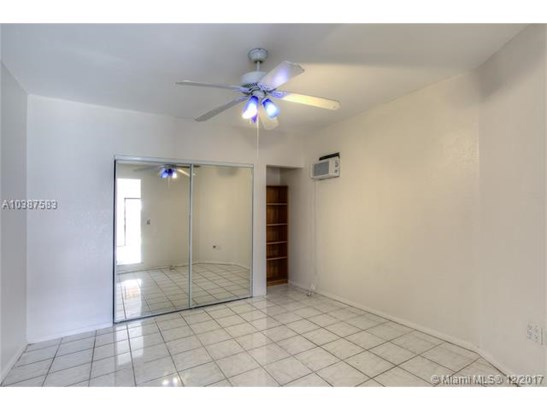 6424 Nw 200th St, Hialeah, FL - USA (photo 5)