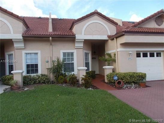 9710 Malvern Dr, Tamarac, FL - USA (photo 1)