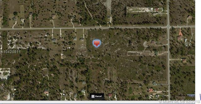 2918 Ne 41st Ave, Golden Gate, FL - USA (photo 1)