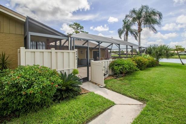 Condo/Townhouse - Palm Beach Gardens, FL (photo 2)