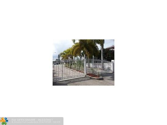 218 Se 15th St #218, Dania, FL - USA (photo 3)