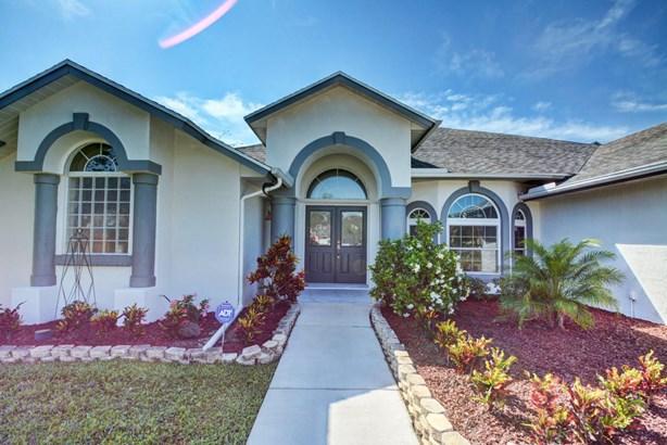 2086 Sw Bird Avenue, Port St. Lucie, FL - USA (photo 1)