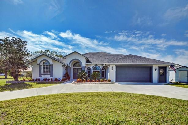 2086 Sw Bird Avenue, Port St. Lucie, FL - USA (photo 3)