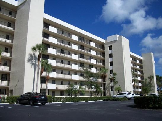 2400 Deer Creek Country Club Boulevard Unit 601-1, Deerfield Beach, FL - USA (photo 1)
