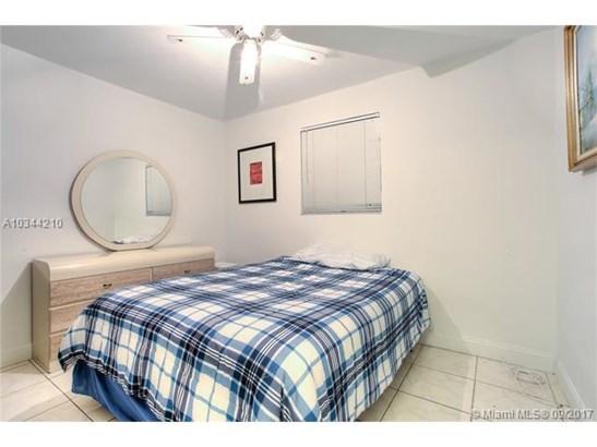 2021 Bahama Dr, Miramar, FL - USA (photo 5)