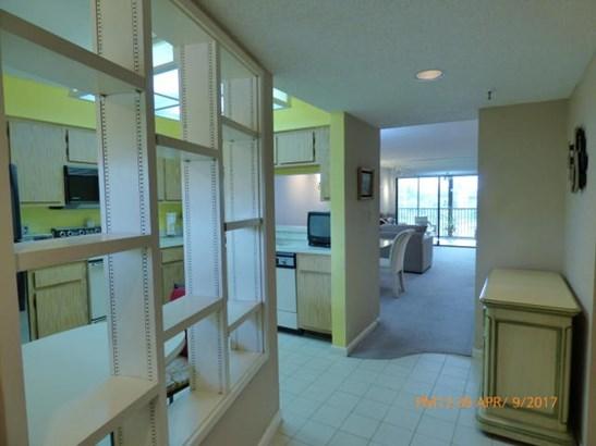 14460 Strathmore Lane Unit 304, Delray Beach, FL - USA (photo 3)