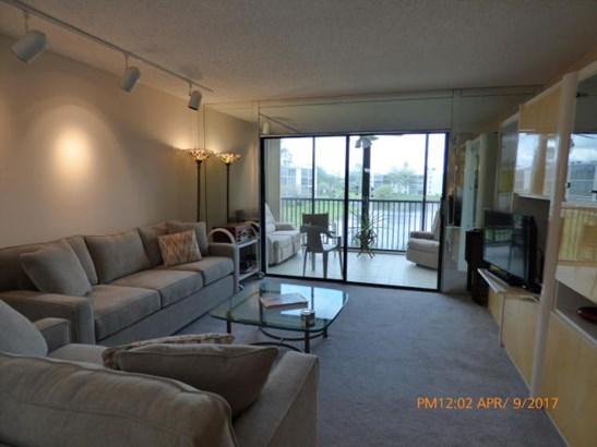 14460 Strathmore Lane Unit 304, Delray Beach, FL - USA (photo 4)