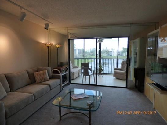14460 Strathmore Lane Unit 304, Delray Beach, FL - USA (photo 5)