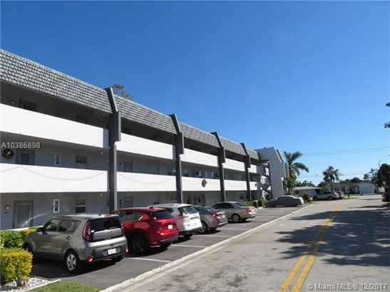 7787 Golf Cir Dr, Margate, FL - USA (photo 1)