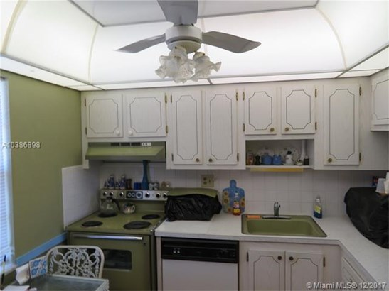 7787 Golf Cir Dr, Margate, FL - USA (photo 2)