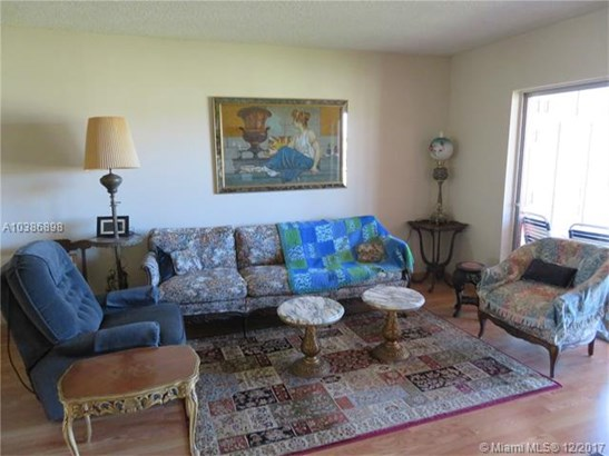 7787 Golf Cir Dr, Margate, FL - USA (photo 5)