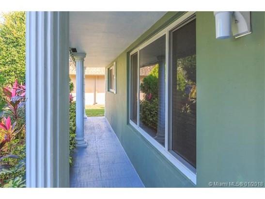 4900 Taft St, Hollywood, FL - USA (photo 3)