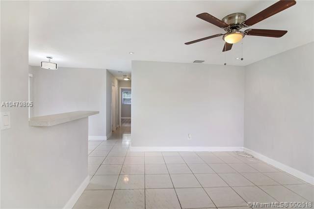 4351 Nw 11 Street, Lauderhill, FL - USA (photo 3)