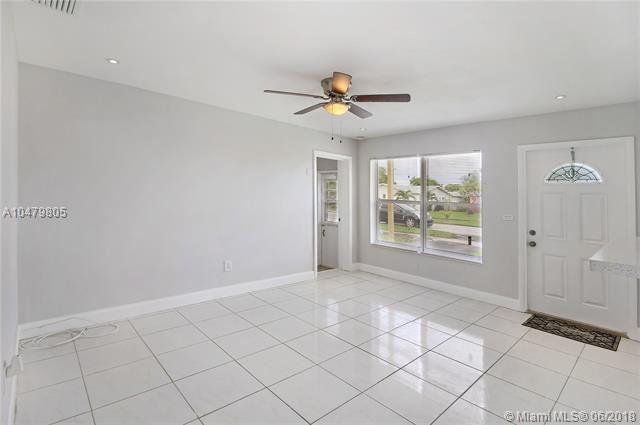 4351 Nw 11 Street, Lauderhill, FL - USA (photo 4)