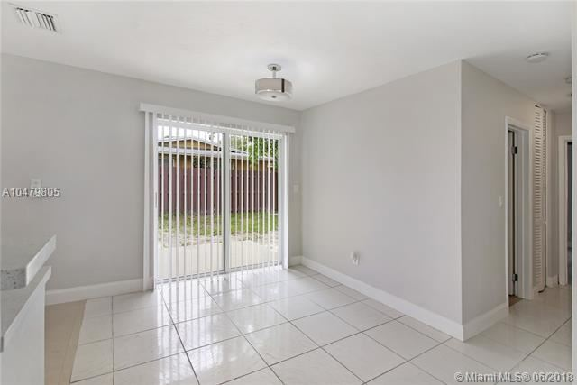 4351 Nw 11 Street, Lauderhill, FL - USA (photo 5)