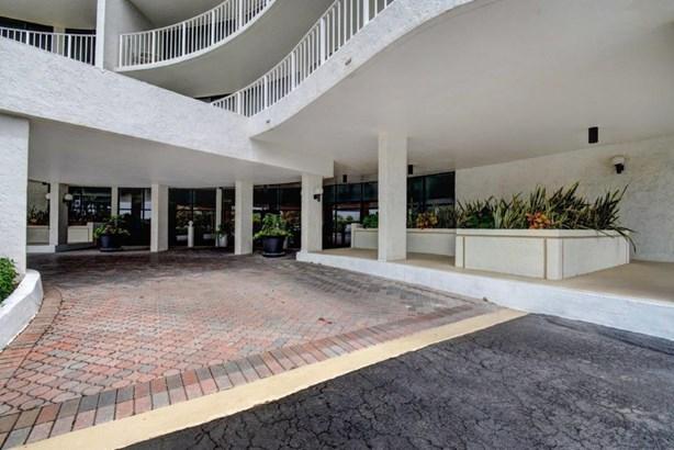 Condo/Townhouse - Palm Beach, FL (photo 3)