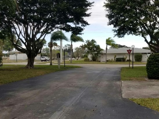 Single-Family Home - Royal Palm Beach, FL (photo 3)