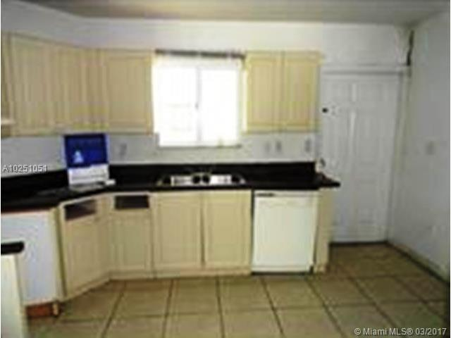 Single-Family Home - Florida City, FL (photo 3)