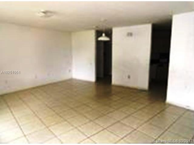 Single-Family Home - Florida City, FL (photo 4)
