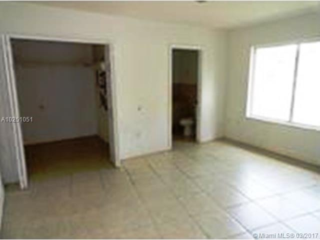 Single-Family Home - Florida City, FL (photo 5)
