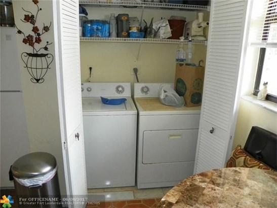 117 Lake Emerald Dr #108, Oakland Park, FL - USA (photo 5)