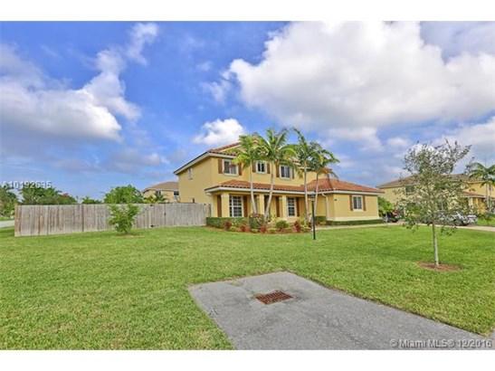 Single-Family Home - Miami, FL (photo 2)