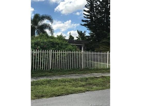 2770 Nw 155th Ter, Miami Gardens, FL - USA (photo 1)