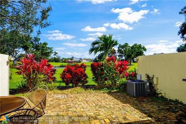710 E Coco Plum Cir #6, Plantation, FL - USA (photo 2)